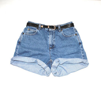 rolled up jean shorts early 90s vintage minimalist Liz Claiborne faded denim shorts size