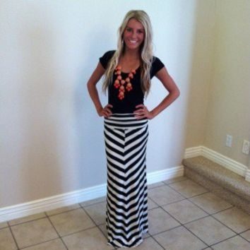 Chevron Black and White Long Maxi Skirt
