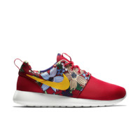 Nike Roshe One Print Women's Shoe Size 7.5 (Red)