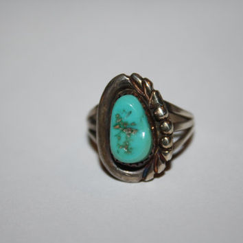Beautiful Turquoise Stone Ring Vintage Antique Sterling Silver  Size 6. 5- Free US Ship