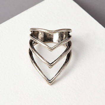 Pointed Cutout Ring