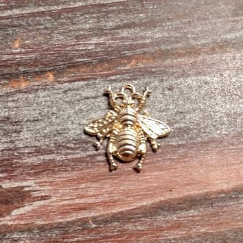 AB-3359 - Gold Plated Bumble Bee Charm/Pendant, 20x22mm | Pkg 1