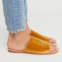 Off Duty Slide Sandal