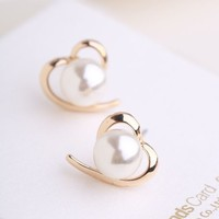 Golden Heart with Pearl Earrings