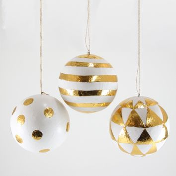 Gold Pattern Ball Ornament