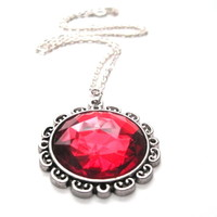Red Queen Round Cabochon Necklace