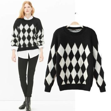 2016 Autumn and Winter New Korean Version Round Neck Long-sleeved Diamond-shaped Checkered Hedging Sweater AXD1701