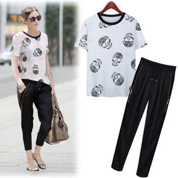 White Skull Print T-Shirt And Zippered Sweatpants