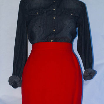 Vintage 1980's Genny by Gianni Versace Lipstick Red Wool Pencil Skirt. Made in Italy. US Size 6. X-Small/S