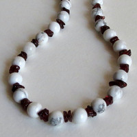 Beaded Necklace with White Howlite, Red Garnet Chips and Sterling Silver, Statteam