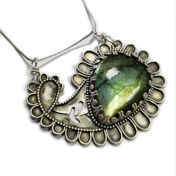 Paisley Necklace, Sterling Silver Paisley Pendant, Labradorite Necklace, Labradorite Pendant, Silversmith Jewelry, Artisan Necklace, 925