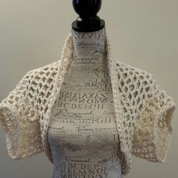 Crochet Cream Shrug. Made by Bead Gs on ETSY. Size large. Cream Bolero