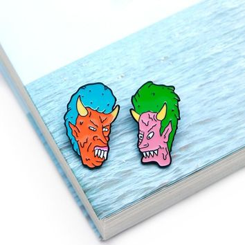 Trendy Halloween Brooches DEMON BUTTHEAD BEAVIS Enamel Pin for Boys Lapel Pin Hat/bag Pins Denim Jacket Shirt Women Brooch Badge Q555 AT_94_13
