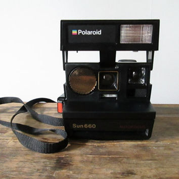 Vintage 1980s Polaroid Sun 660 Auto Focus Instant Film Land Camera