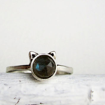 Gray Cat Ring, Labradorite Sterling Silver Ring