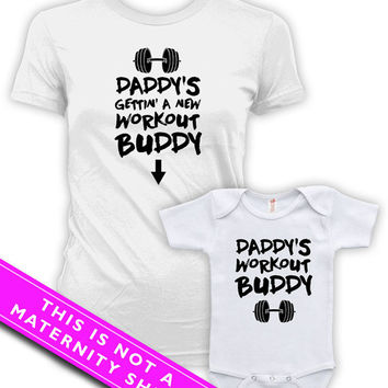 Matching Mommy And Me Clothing Pregnancy Announcement Daddy's Workout Buddy Baby Bodysuit Matching Family Shirts Mother To Be MAT-610-611