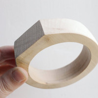 30 mm Wooden bangle unfinished round with two corners on the top - natural eco friendly PE2-30