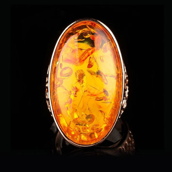 Jenia Beautiful Imitation Amber Ring Women Rose Gold Color Retro Ring New Fashion Design XR342