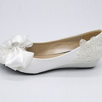 Wedding shoes milk white light ivory wedges low heel bridal shoes for woman the fashion design bow lace bridesmaid shoe
