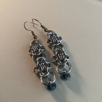 Rondo a la Byzantine earrings, chainmaille,  aluminum, unicorn bead