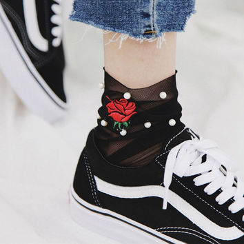 Spring New Listing Women Rose Heart Embroider Pearl Ruffle Mesh Ankle Socks Fishnet Net Hosiery Women Fashion Summer sock