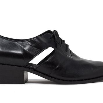 Lizett Derby Cut Out Oxford