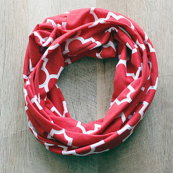 Infinity Scarf-Red and White Quatrefoil - Christmas Gift
