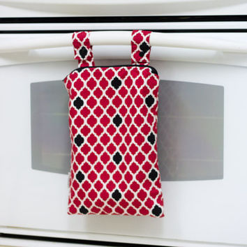Kitchen Wet Bag, Red and Black Quatrefoil Wetbag, Unpaper Towel Bag, Laundry Bag, Hanging Wet Bag, Waterproof Kitchen Towel Bag
