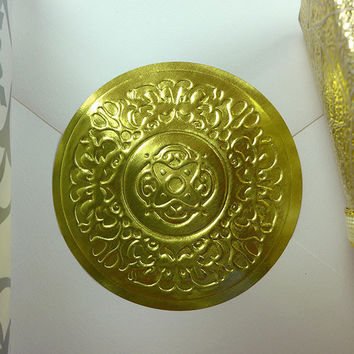 "500pk Round Gold Medallion Embossed Decorative 2"" Wedding Invitation Stickers"