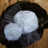Wedding Hairpiece, White or Ivory, Bridal Hair Flower, Floral Fascinator, Veil Alternative, Retro Look
