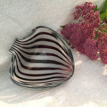 Murano Art Glass Candy Dish Purple and White Striped Handmade Bowl Collectible Heart or Spade Shaped Hand Blown Italian Vintage Home Decor