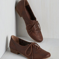 Scholastic Dapper Days Flat in Chocolate