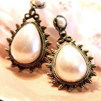 Closer to You Pearls Earrings