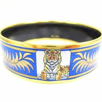 ONETOW Vintage Hermes cloisonne enamel golden thick bangle, bracelet with tiger and crown de