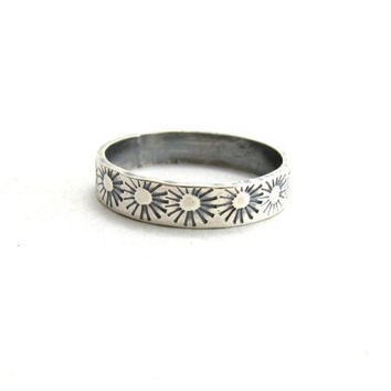 Sterling Silver Sunburst Ring Simple Ring Band with Suns Stamped Jewelry Size 8.5