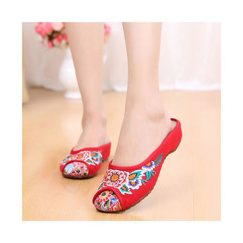 Old Beijing Cloth Shoes for Women in Red Vintage Embroidered Online in National Style with Beautiful Floral Designs