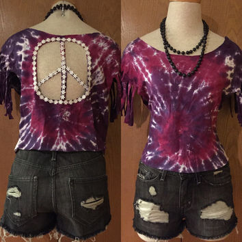 Tie dyed fringe festival crop peace & daisy back top size small/medium