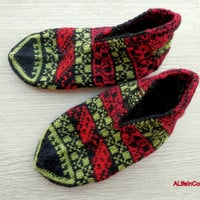 Turkish Anatolian hand knitted women's fair isle warm slippers, slipper socks, house shoes.