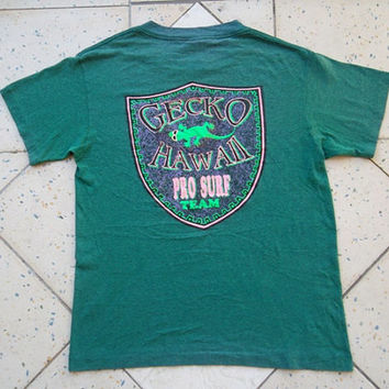 Vintage 1980s Gecko Hawaii Pro Surf Team T-Shirt 50/50 poly cotton