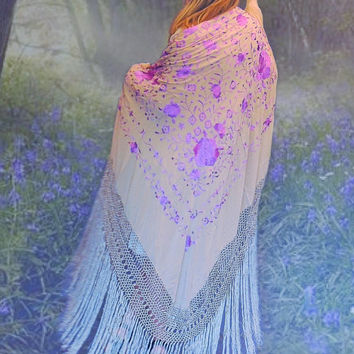 Gorgeous oversize piano shawl / silk, embroidery & long fringing / beige lavender oriental handmade square / Spanish bride deco boho hippie