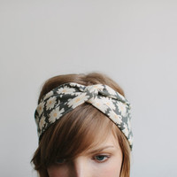 Daisy Print Twisted Headband