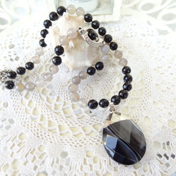 Black Onyx,Grey Agate Necklace, Black Onyx Pendant, Stones Jewelry, Black Onyx,Grey Agate Necklace, OOAK, Elegant,Feminine, Women Gifts