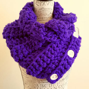 Purple Pizzazz Button Scarf. Chunky. Katniss inspired cowl. Wood button cowl. Button scarf. Made by Bead Gs on Etsy