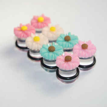 Daisy 00g (10mm) Acrylic Plugs, Ear Gauges, Women, Weddings, Formal, Stretched Ears, Floral, Flowers, Cute, Plugs for Girls, CHOOSE COLOR