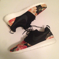 Custom Roshe Run - Black 'Supremo' Style