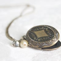Vintage Brass Art Nouveau Antique Champagne Pearl Pendant Oval Locket Necklace Gift Sarabellas