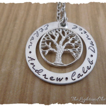 Personalized mom grandma name jewelry - Mom Grandma - Gift for her - Tree of Life - Mother's Necklace - Grandmother Necklace