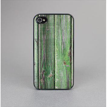 The Mossy Green Wooden Planks Skin-Sert Case for the Apple iPhone 4-4s