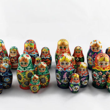 Lot of 8 Matryoshka Russian Nesting Doll Nested Wooden Babushka Dolls Beautiful Set 3 Pieces Pcs Hand Painted Handmade Souvenir Handicraft