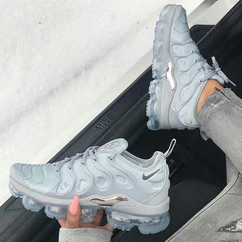 new product 43628 5ab02 Trendsetter Nike Air Vapormax Plus Woman Men Fashion Running Sport Shoes  Sneakers